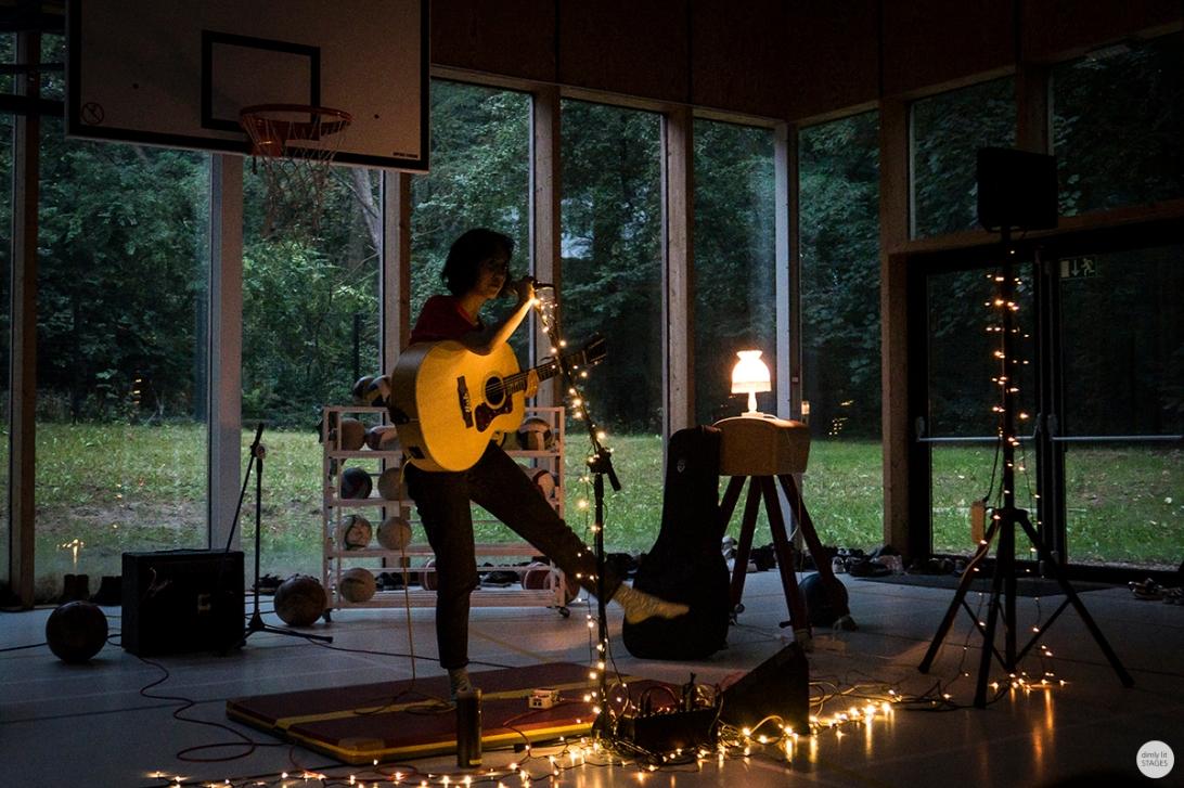Haley Heynderickx live 2018 indies keeping secrets Brussels © Caroline Vandekerckhove