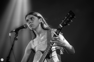 Tomberlin (Sara Beth Tomberlin) live 2019, Botanique Brussels © Caroline Vandekerckhove / dimly lit stages