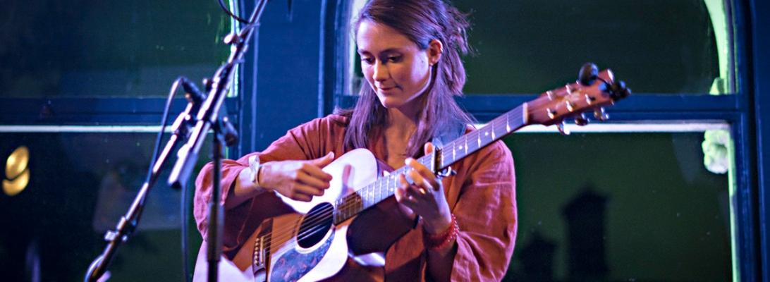 Rachel Sermanni live 2019, Lost Lane, Dublin © Caroline Vandekerckhove / Dimly lit stages