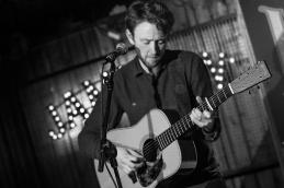 Peter Doran live 2019, Whelans, Dublin © Caroline Vandekerckhove / Dimly lit stages